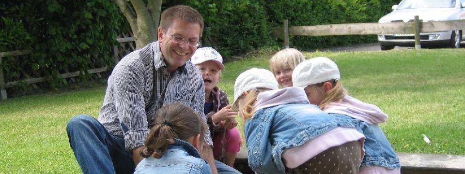 Spielplatztest mit jungen Bürgerinnen